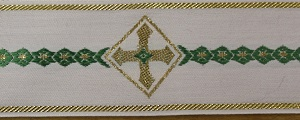 Green and Gold Cross Trim +£32.30